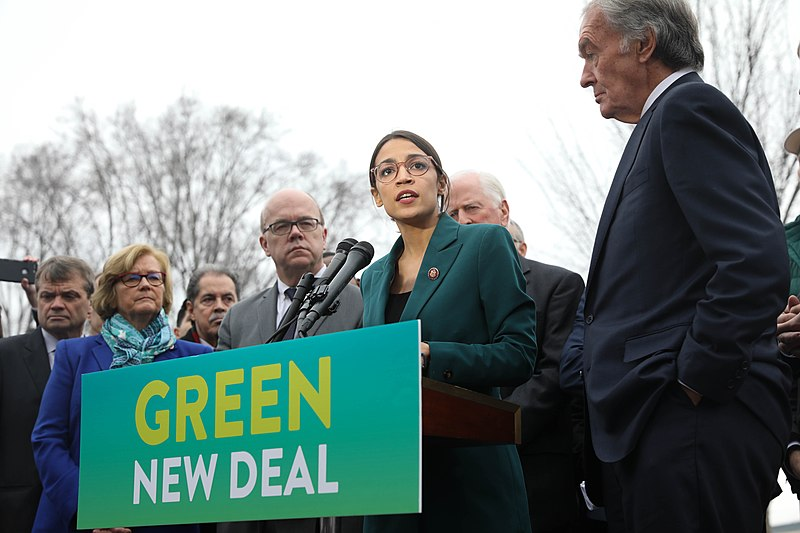 800px-GreenNewDeal_Presser_020719_(26_of_85)_(46105848855)