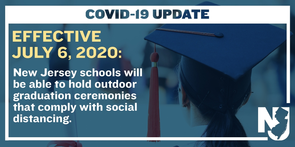 Gov's tweet announcing outdoor graduations